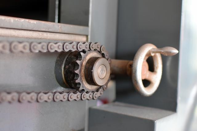 工場や倉庫から出た不要な機械の処分方法